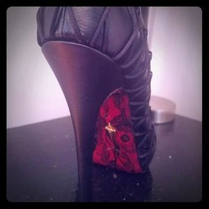 NEW One of a kind Cesare Paciotti ankle boot
